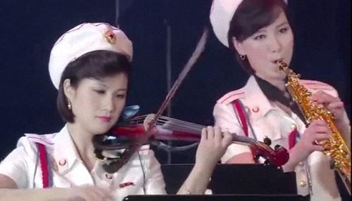 Hong Su-kyong Choe Jong-im 20151011 15.03e